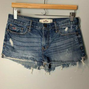 😊 Hollister Jean Shorts Size 9 / 29 Distressed